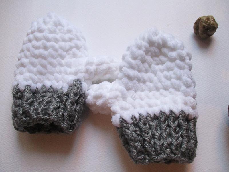 """Παιδικό πλεκτό σετ με σκουφάκι και γάντια """"Φώκια"""""""