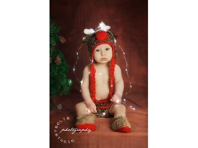 """Πλεκτό σετ για νεογέννητα με σκούφο, κασκόλ και παπουτσάκια """"Rudolph"""""""