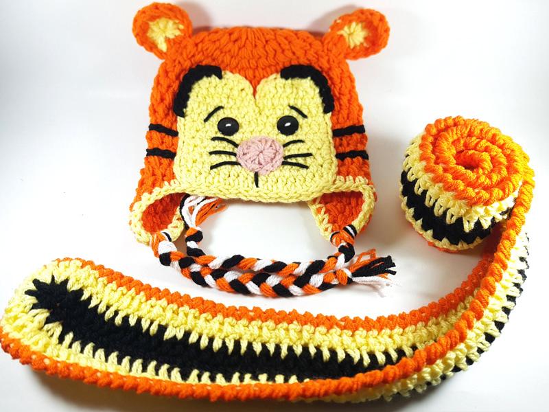 4b264dbd3ff ... Παιδικό πλεκτό σετ με σκούφο και μακρύ κασκόλ Τίγρης