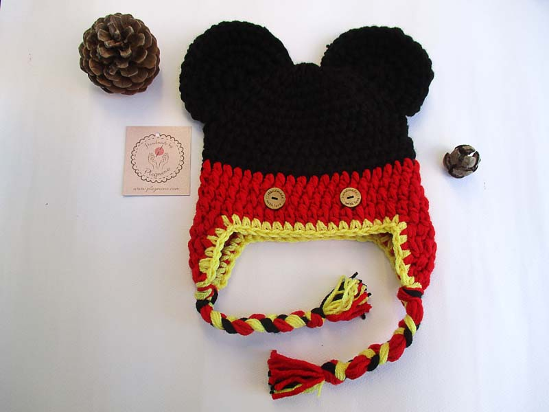 3b2c919eb58 Χειροποίητο πλεκτό σκουφάκι με τον αγαπημένο παιδικό ήρωα Mickey Mouse.