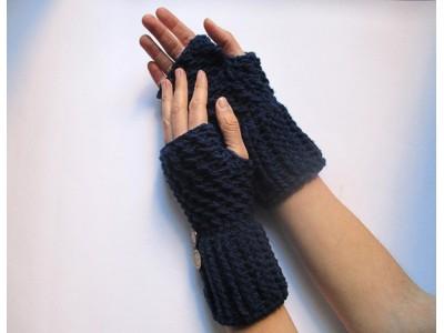 """Χειροποίητο σετ με σκούφο, κασκόλ και γάντια """"Γαβριέλα"""""""